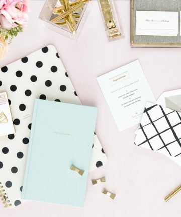 4 Features of a Pretty and Productive Desk